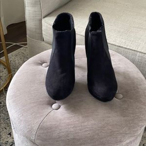 NWOT - Black suede heeled ankle boots size 7